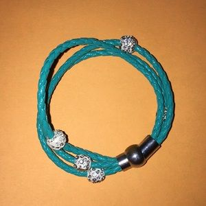 Accessories - Teal magnetic bracelet